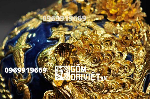 Bình hút tài lộc đắp nổi công đào mạ vàng men xanh