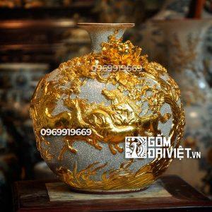 Bình hút tài lộc mã đáo đắp nổi dát vàng 30cm