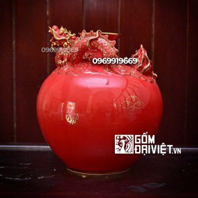 Bình hút tài lộc rồng đắp nổi màu đỏ mệnh hỏa