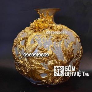 Bình hút tài lộc tùng hạc diên niên đắp nổi dát vàng Bát Tràng