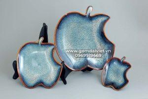 Đĩa sứ quả táo men xanh hỏa biến
