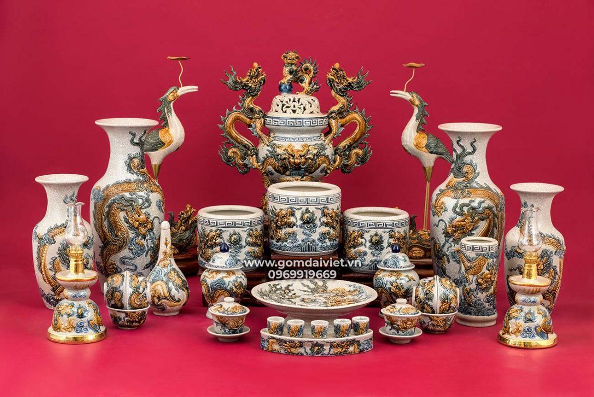 Bộ đồ thờ Bát Tràng cao cấp gốm sứ đắp nổi men rạn đầy đủ