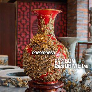 Bình gốm phong thủy tỏi chim công đắp nổi vẽ vàng màu đỏ