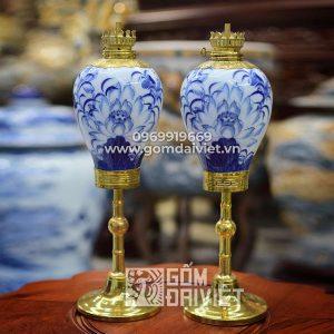 Đèn dầu bàn thờ chân đồng quả lê men rong vẽ sen 41cm