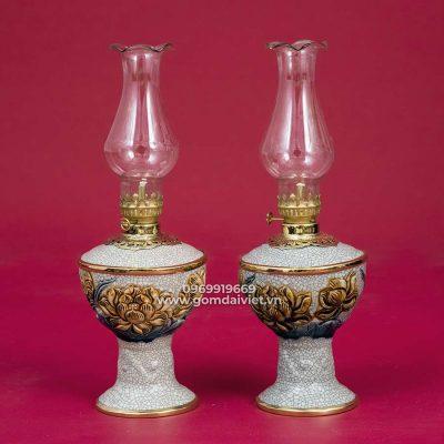 Đèn dầu bàn thờ sen đắp nổi men rạn cổ 20cm