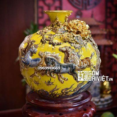 Bình hút tài lộc Mã đáo thành công màu vàng vẽ vàng 35cm