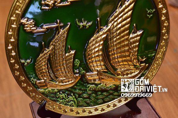 Quà tân gia nhà mới đĩa cảnh thuận buồm xuôi gió dát vàng men lục bảo 40cm