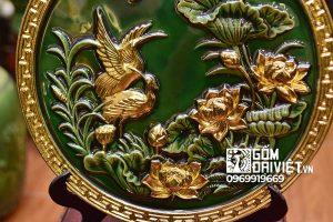 Quà tân gia nhà mới đĩa cảnh tùng hạc sen dát vàng men ngọc lục 40cm