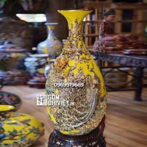 Bình gốm phong thủy dáng tỏi ngỗng chim công đắp nổi vẽ vàng