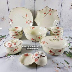 Bộ bát đĩa đồ ăn Bát Tràng men kem vẽ hoa đào đỏ
