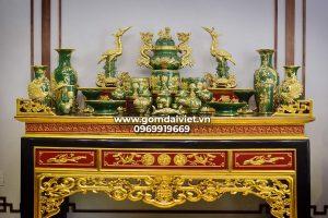 Bộ đồ thờ gia tiên men ngọc lục bảo dát vàng đầy đủ Bát Tràng
