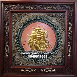 Tranh sứ Bát Tràng đắp nổi thuận buồm xuôi gió dát vàng gỗ gụ 50cm