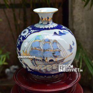 Bình hút tài lộc Thuận buồm xuôi gió Nhị Cảnh men lam vẽ vàng 30cm