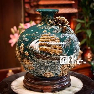 Bình hút tài lộc Bát Tràng - Thuận Buồm Xuôi Gió - đắp nổi men xanh cổ vịt 35cm