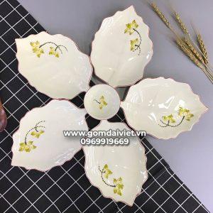 Bộ set bát đĩa lá dâu xếp cánh hoa vẽ sen vàng S4