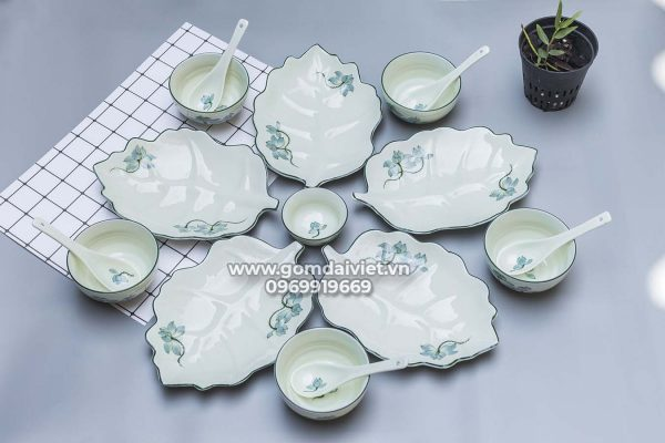 Set đồ ăn 5 đĩa lá sâu xếp cánh hoa men kem vẽ sen xanh