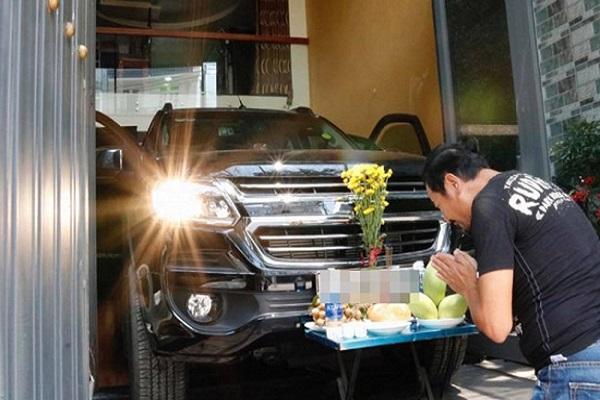 Lý do bạn nên thực hiện nghi lễ cúng xe mới mua và cúng xe hàng tháng