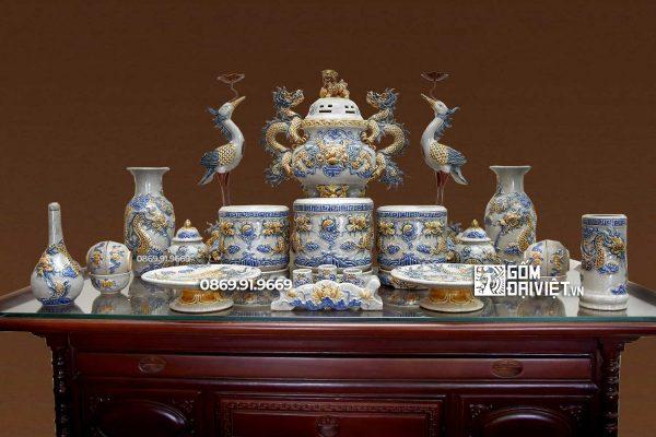 Bộ đồ thờ cúng bằng sứ đắp nổi men rạn Bát Tràng