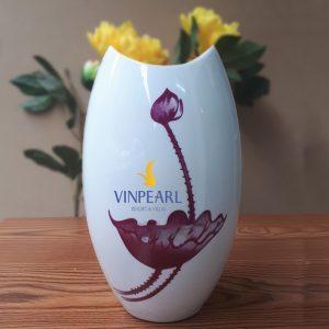 Lọ hoa sứ men trắng in logo dáng miệng cá sen