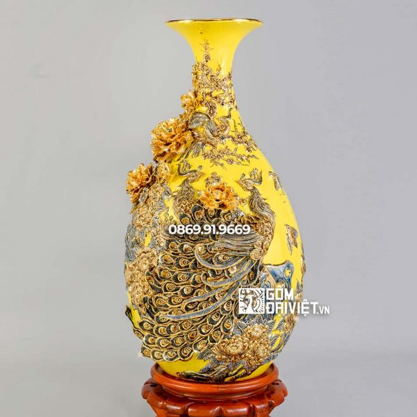 Bình tỳ bà công đào đắp nổi vẽ vàng men vàng H80cm