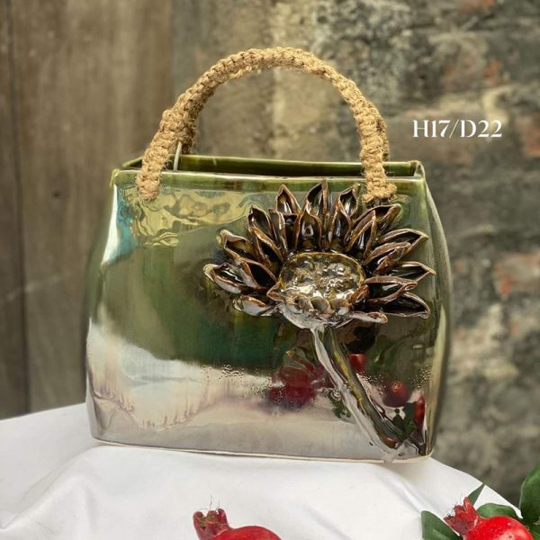 Giỏ hoa gốm sứ đắp nổi H17cm