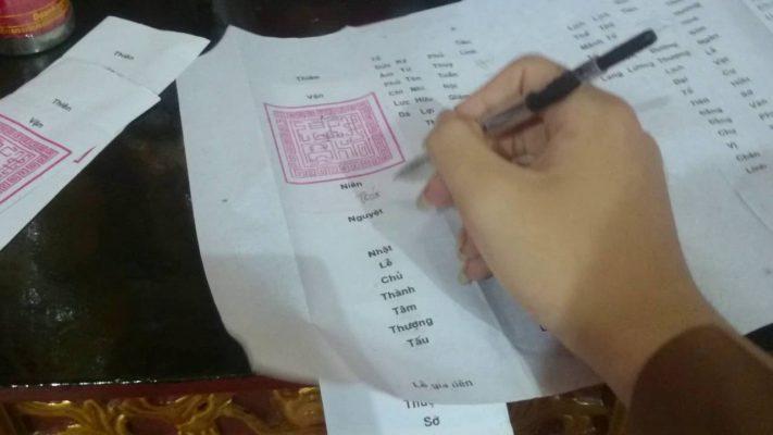 Chi tiết về cách viết sớ cầu tài lộc